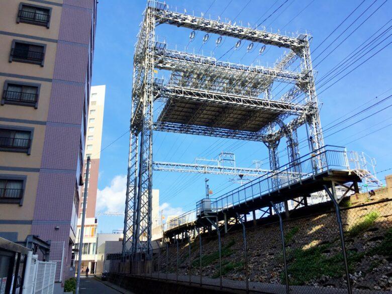 平尾駅の鉄塔