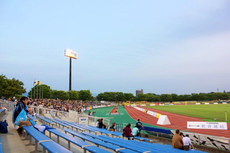 本城陸上競技場